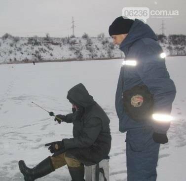 Спасатели рассказали авдеевским рыбакам о правилах безопасной зимней рыбалки (ФОТО), фото-2