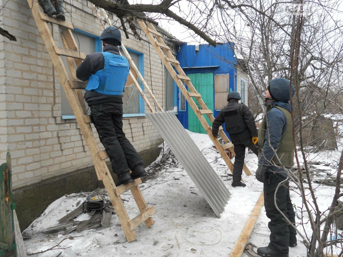 Спасатели ГСЧС продолжают восстанавливать Авдеевку (ФОТО), фото-3
