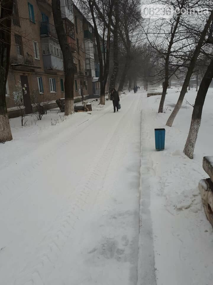 Авдеевские коммунальщики вышли на борьбу со стихией (ФОТО), фото-2