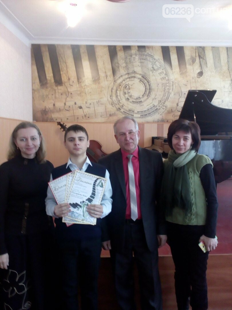 Юный скрипач из Авдеевки покорил жюри областного музыкального конкурса, фото-1