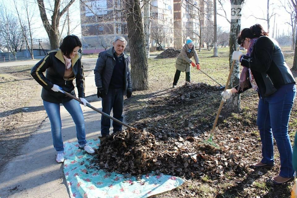 Чистый четверг: авдеевцы вышли на уборку родного города (ФОТООТЧЕТ), фото-4