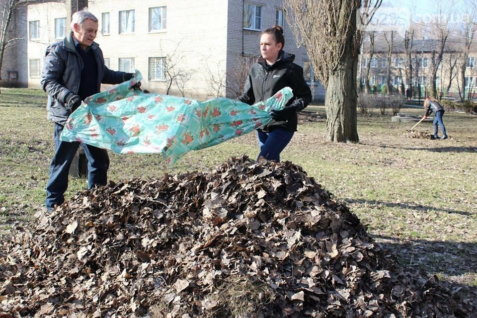 Чистый четверг: авдеевцы вышли на уборку родного города (ФОТООТЧЕТ), фото-6