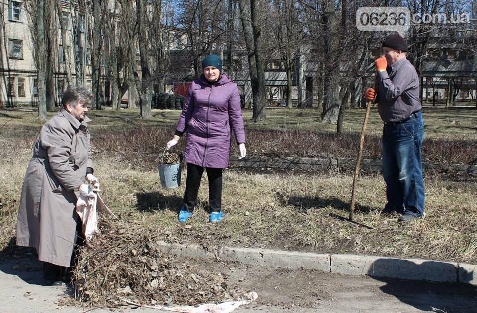 Чистый четверг: авдеевцы вышли на уборку родного города (ФОТООТЧЕТ), фото-9