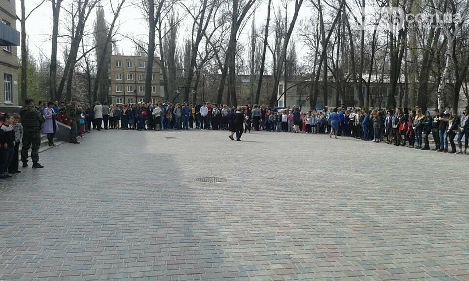 В Авдеевке эвакуировали школьников (ФОТО), фото-3