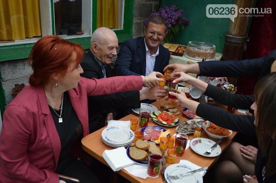 Авдеевских ветеранов поздравили с 73-м Днем Победы (ФОТО), фото-1