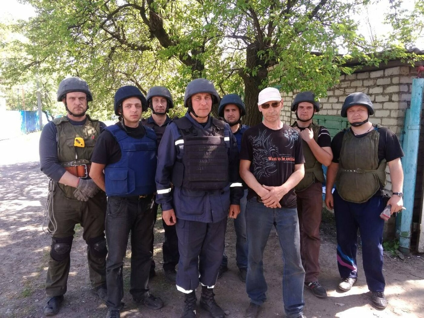 Спасатели ГСЧС продолжают восстанавливать прифронтовой город (ФОТО), фото-3