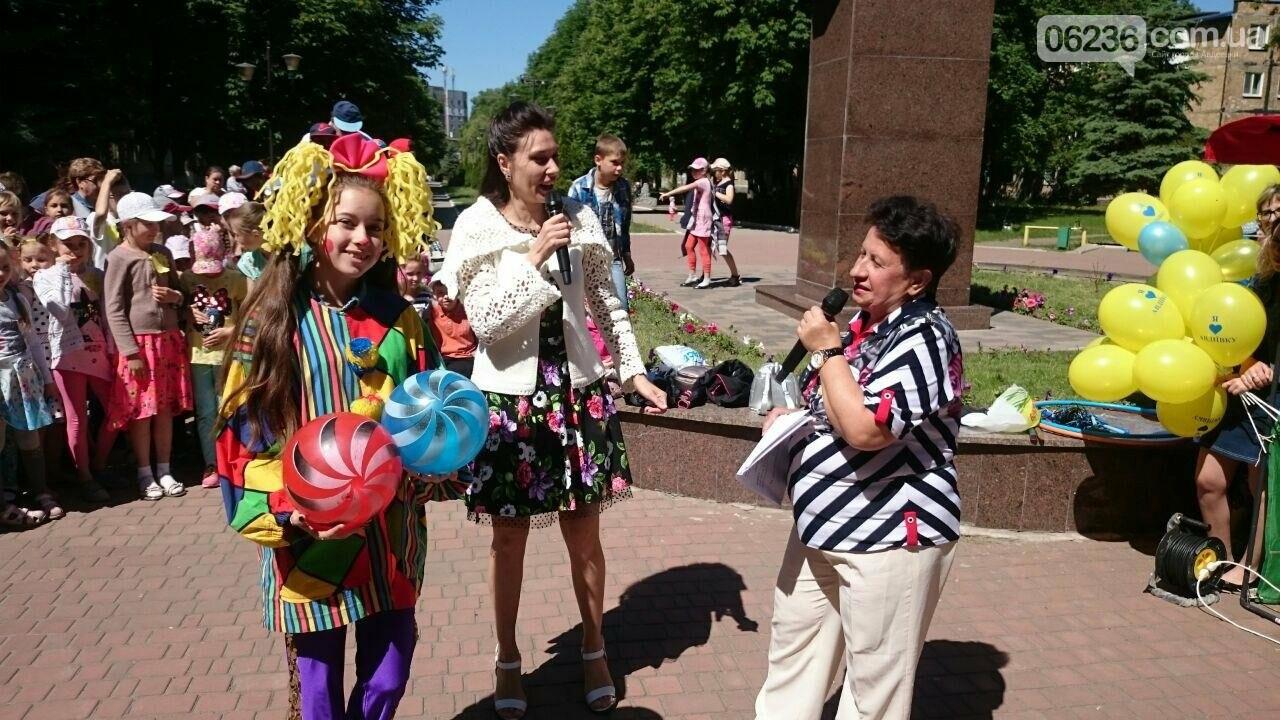 В Авдеевке для детворы устроили праздник радости и надежды (ФОТОРЕПОРТАЖ), фото-11