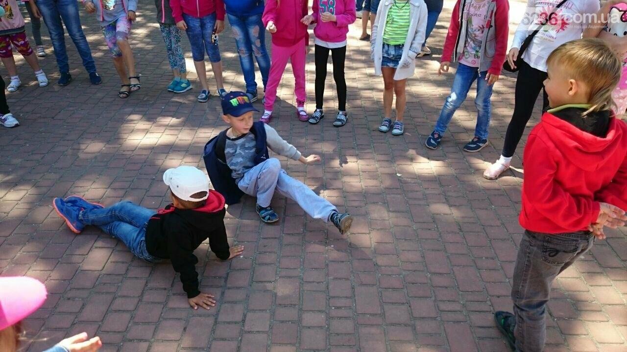 В Авдеевке для детворы устроили праздник радости и надежды (ФОТОРЕПОРТАЖ), фото-4