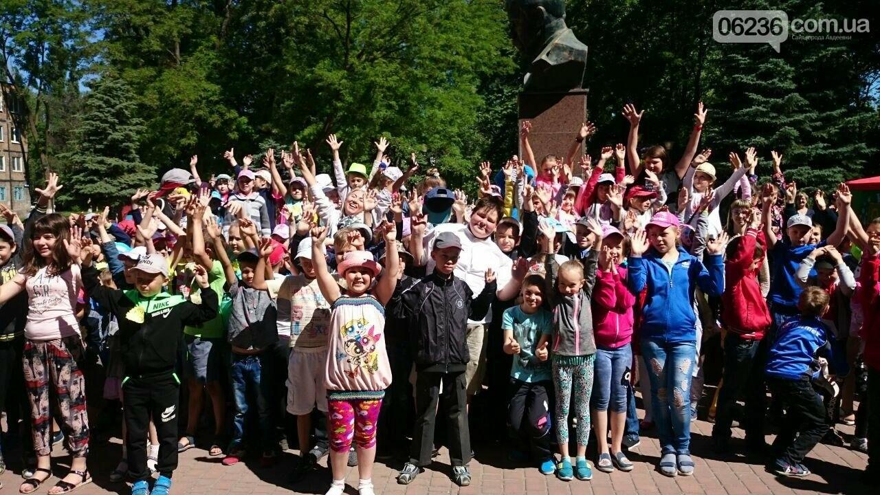 В Авдеевке для детворы устроили праздник радости и надежды (ФОТОРЕПОРТАЖ), фото-13