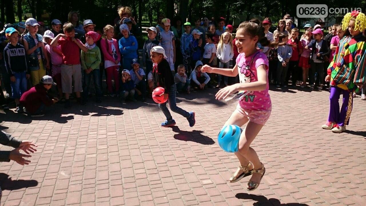 В Авдеевке для детворы устроили праздник радости и надежды (ФОТОРЕПОРТАЖ), фото-3