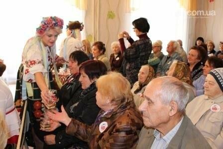 Пожилым авдеевцам приготовили сюрприз (ФОТО), фото-2