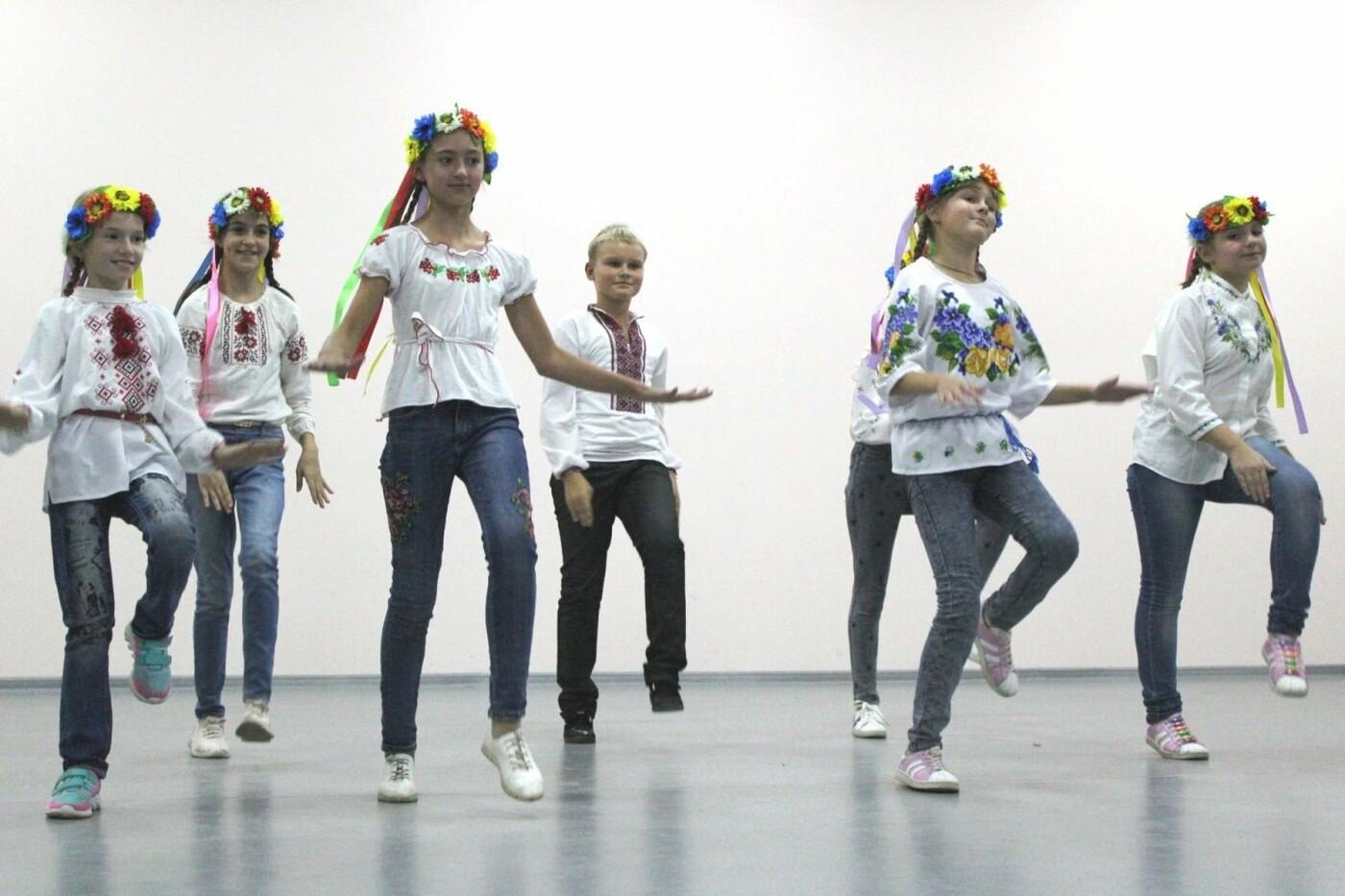 Авдеевских учителей поздравили с профессиональным праздником (ФОТО), фото-13