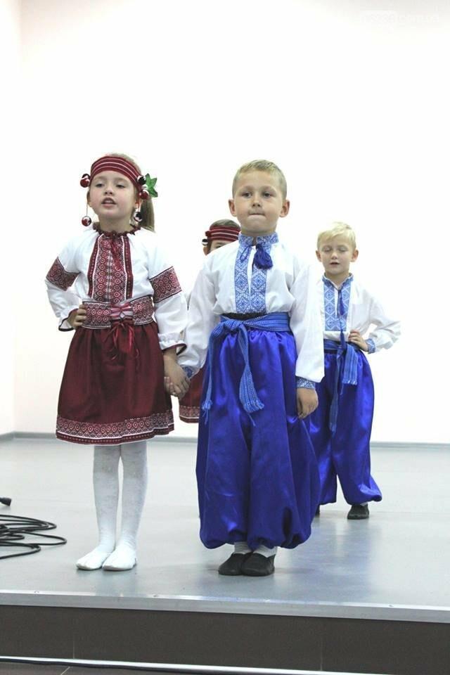 Авдеевских учителей поздравили с профессиональным праздником (ФОТО), фото-3