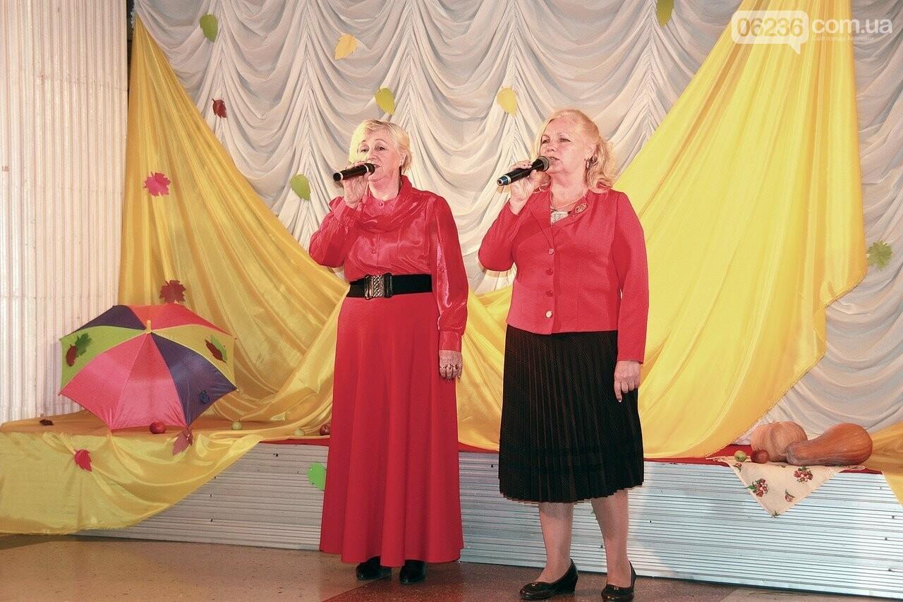 Авдеевские пенсионеры собрались на осенние посиделки (ФОТОФАКТ), фото-3