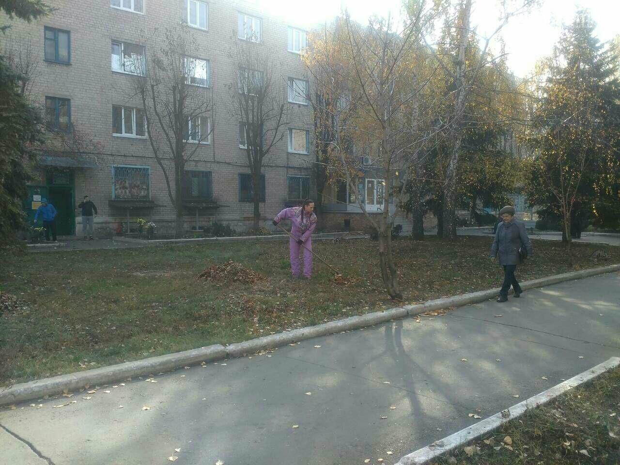 Заводчане АКХЗ присоединились к уборке родного города (ФОТОРЕПОРТАЖ), фото-8