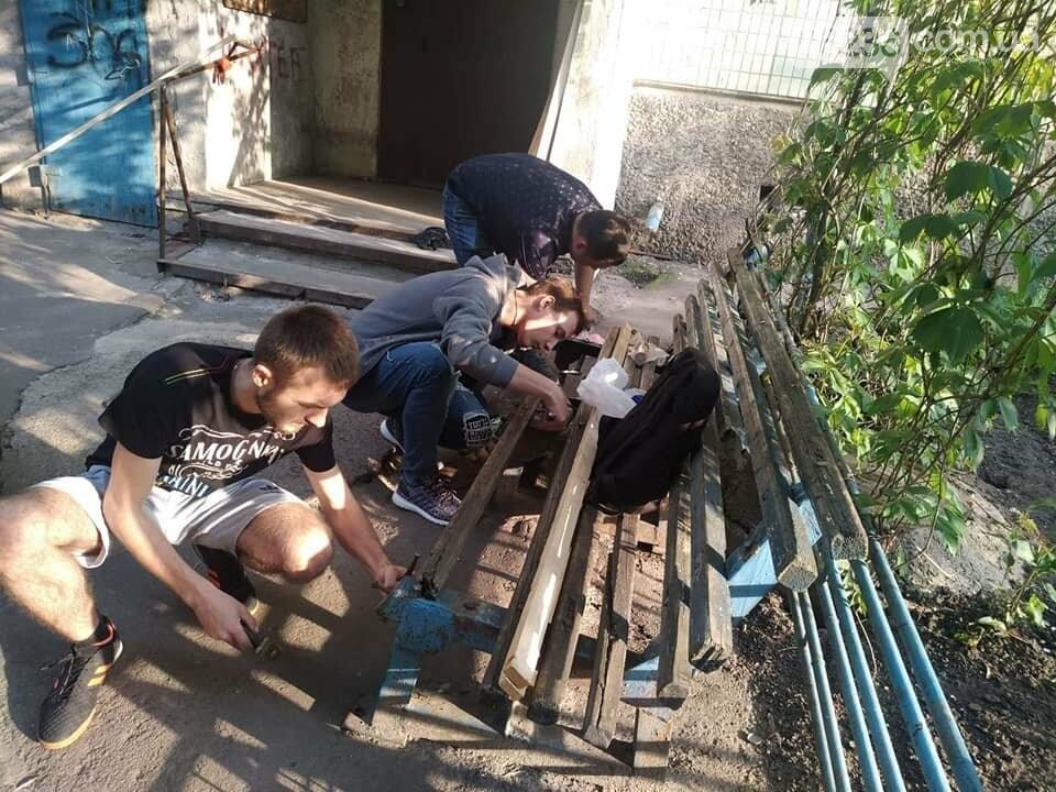 Молодежка АКХЗ пришла на помощь авдеевским пенсионерам (ФОТО), фото-1