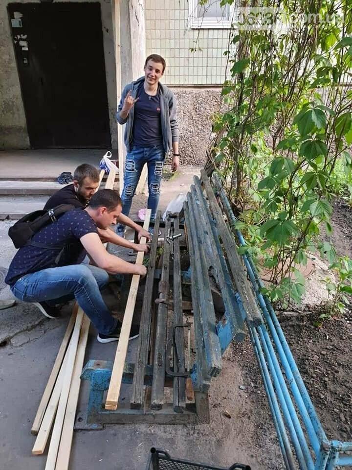 Молодежка АКХЗ пришла на помощь авдеевским пенсионерам (ФОТО), фото-4
