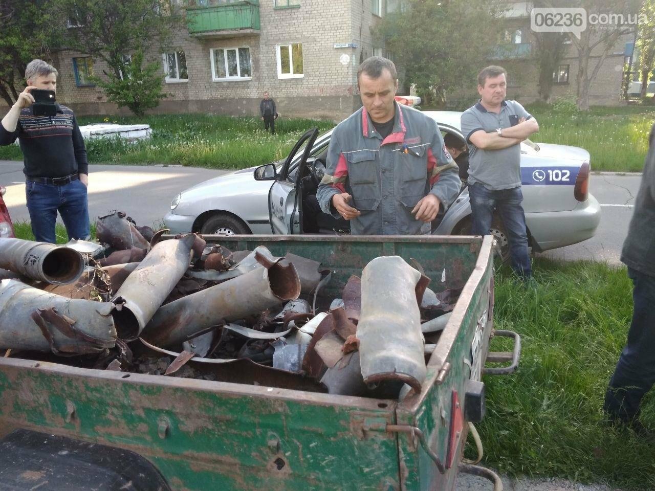 В Авдеевке полиция задержала активистов, разобравших памятник погибшим жителям (ФОТОФАКТ), фото-2
