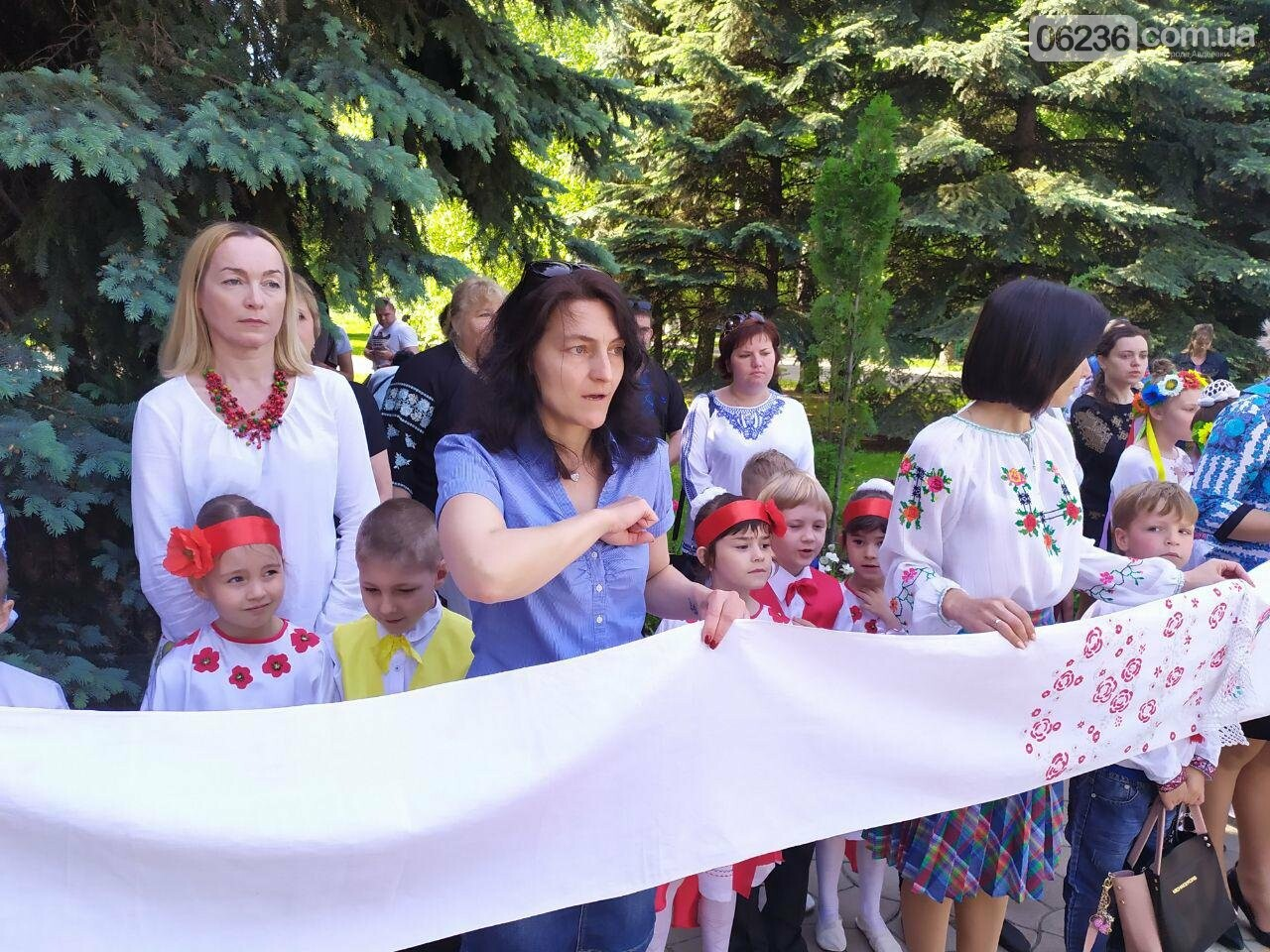 Авдіївка вбралася у вишиванки (ФОТОЗВІТ), фото-8