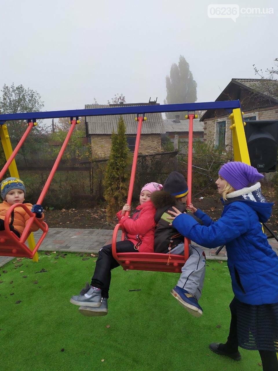 В  Авдеевке состоялось праздничное открытие большой детской площадки , фото-7