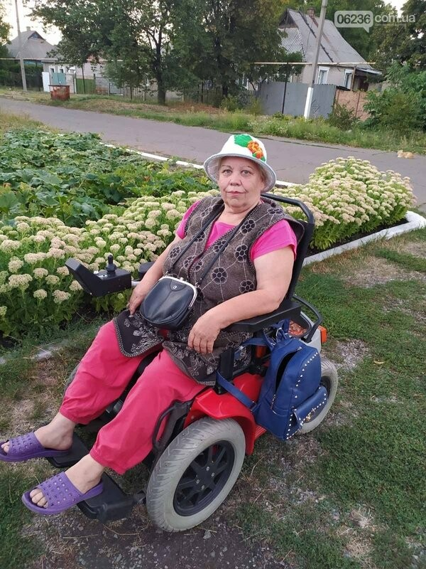 В авдеевском терцентре помогли маломобильной пожилой женщине попасть к врачу, фото-1