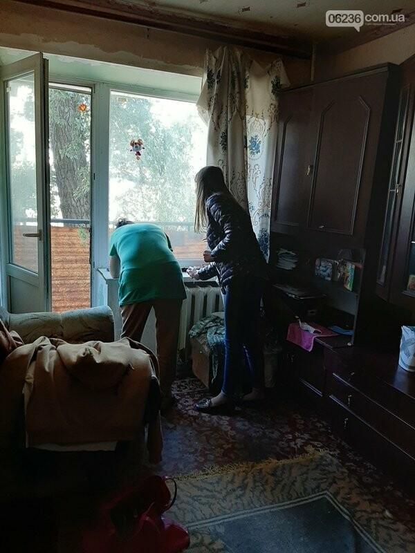 В Авдеевке социальные службы проверяют семьи, оказавшиеся в сложных жизненных условиях, фото-3