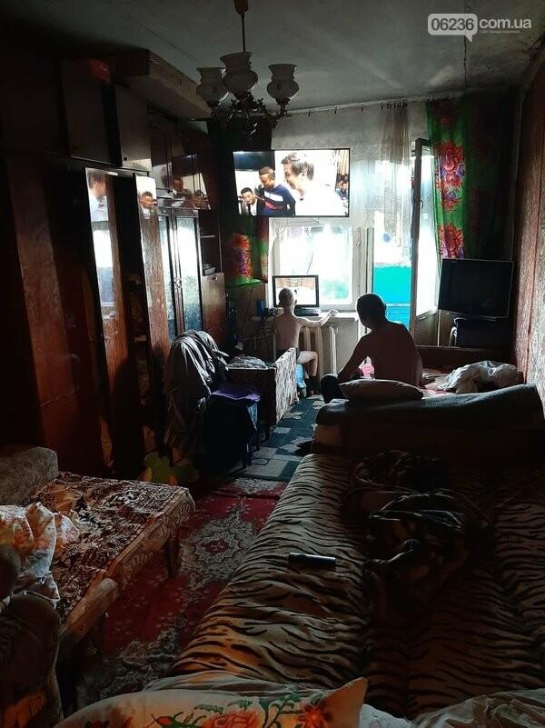 В Авдеевке социальные службы проверяют семьи, оказавшиеся в сложных жизненных условиях, фото-2