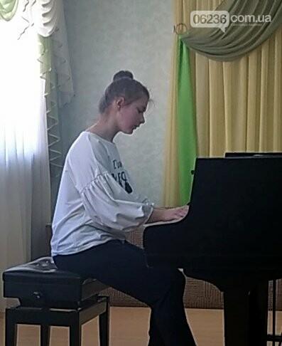 Юные таланты Авдеевки показали отличный результат на международном конкурсе, фото-1