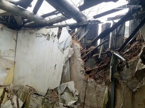 В Авдеевке продолжают обследовать разрушенное в результате обстрелов жилье, фото-2