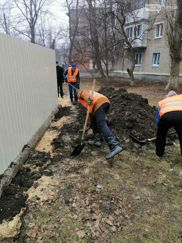 В Авдіївці завершують роботи по облаштуванню нових сміттєвих точок , фото-1