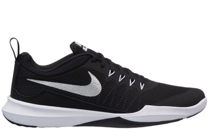 С чем носить кроссовки Nike Air Max девушкам?